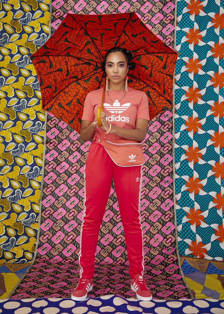Adidas Originali In Riprende Adicolor Vestiario Franchise In Originali Ss18 37ba17